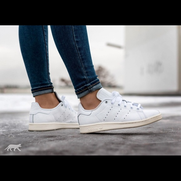 sale retailer fdca5 cfec3 Adidas Women's Originals Stan Smith Shoe